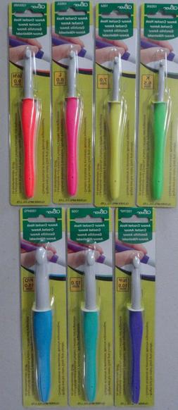 Clover Amour Crochet Hooks, Easy Grip Handle Bright and Fun